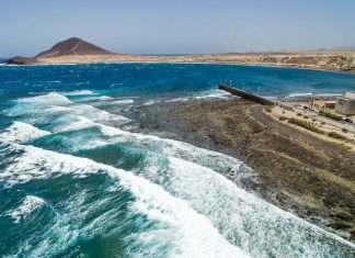 spot tenerife harbour wall windsurfing 324x235 1